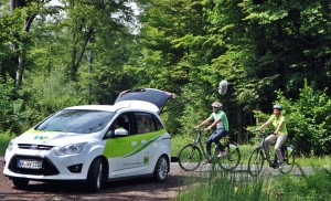 Video Dreh mit dem E-Bike am Nister Radweg, Foto. Jürgen Hüpohl www.terramunda.de