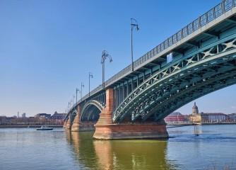 Neue Statistik zeigt: Flusskreuzschifffahrt in Mainz boomt