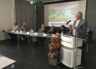 Peter Schuler im DJH-Präsidentenamt bestätigt