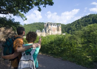 Deutschlands Schönster Wanderweg 2013 ist der Traumpfad Eltzer Burgpanorama