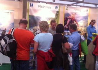 Romantischer Rhein warb mit Wanderwegen auf der Tour Natur in Düsseldorf