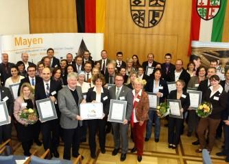 """32 neue Betriebe aus Rheinland-Pfalz mit dem Zertifikat """"Serviceorientiertes Unternehmen"""" ausgezeichnet – Mayen als """"QualitätsStadt"""" ausgezeichnet"""