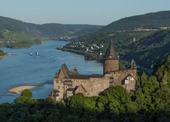 """Neuauflage der Burgenbroschüre """"Burgen und Schlösser am Romantischen Rhein"""""""