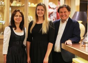 Auszubildende aus Lösnich schließt Prüfung zur Hotelfachfrau als Beste in ganz Deutschland ab